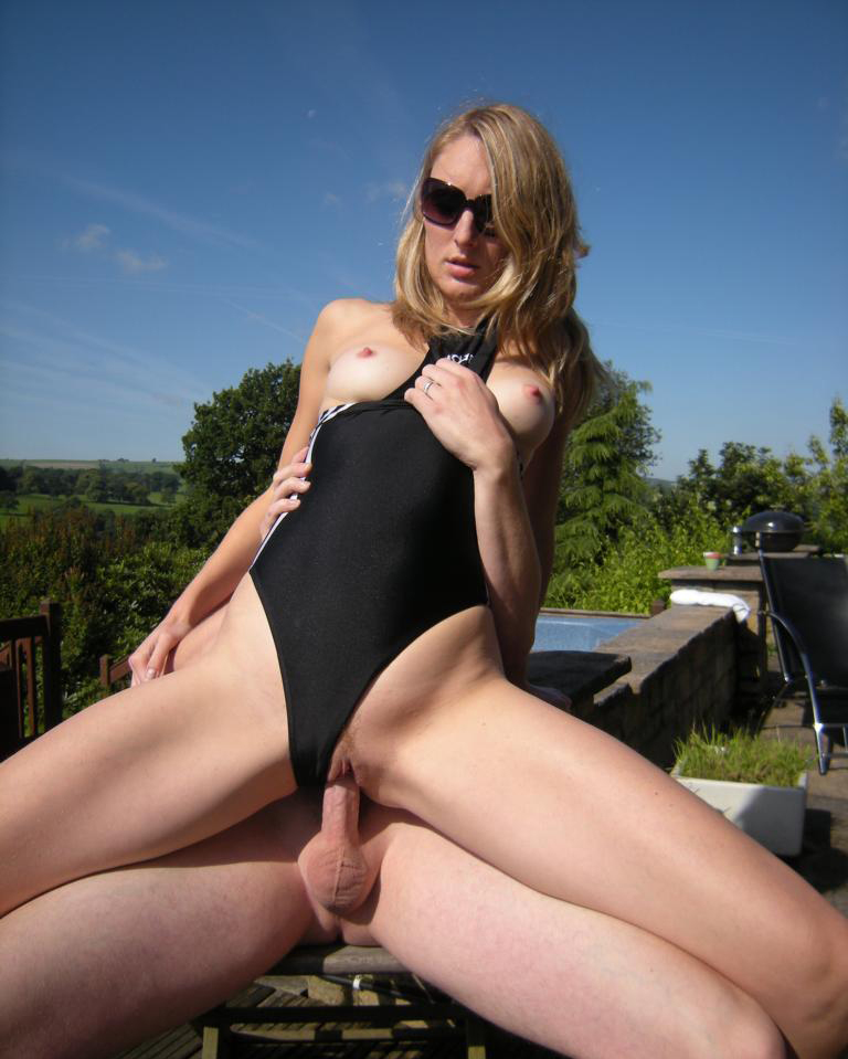 girl in swimsuit gets fucked